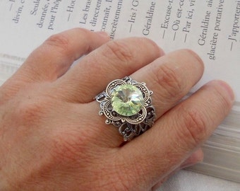 sO SEAWATER DROP Oso peridot rivoli silver medieval ring