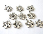 Daisy Flower Charms Set of 10 Silver Color 22x17mm
