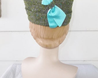 1960s Vintage Purple Green Tweed Pill Box Hat with Turquoise Ribbon Pauline Druly Estate