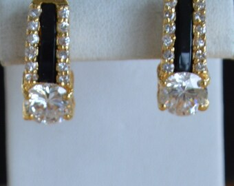 Pretty Vintage Black, Clear Rhinestone Pierced Earrings, Gold tone (R15)