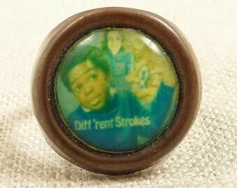 "SALE ----- Size 6.5 Adjustable Vintage ""Diff'rent Strokes"" Memorabilia Ring"