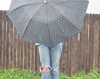 Liz Claiborne Vintage 1980s Signature Print Umbrella // Rainy Day //