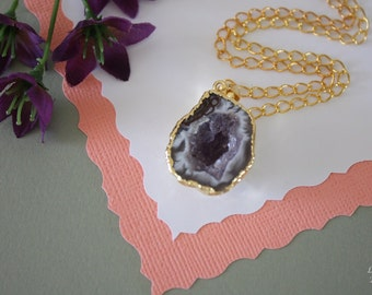 Druzy Necklace Gold, Geode Necklace, Half Slice Geode, Crystal Necklace, Gold Geode Slice Druzy, Egg Shaped Geode, GG84
