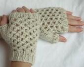 Climbing the Lattice Fingerless Gloves