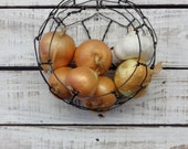 Wire Basket, Wall Hanging Basket, Farmhouse Style, Vintage Style Round, Kitchen