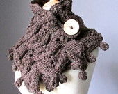 Chunky knit scarf in  Brown Chestnut with coconut shell button