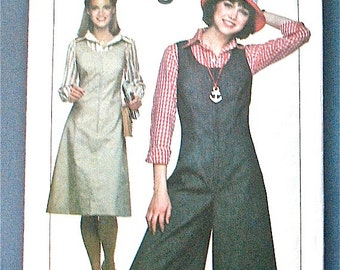 70s Vintage Sewing Pattern Simplicity 8053   Cullotes from 1977. Bust 36 inches.