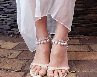 Khaleesi Bridal Anklets, Beach Wedding Anklet, Boho Anklets, Crystal & Pearl Anklets, Beach Foot Jewelry, Bohemian Bridal Foot Chain, 1 Pair
