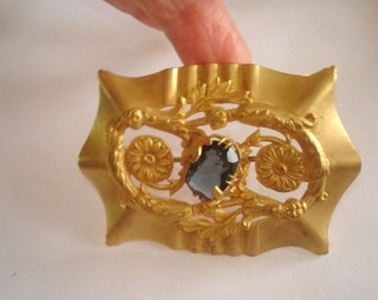 Art Deco Blue Sapphire Glass Stone Vintage Jewelry Brooch Gold Tone Repousse