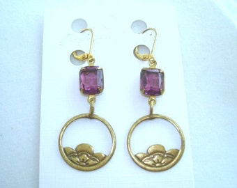 Amethyst  Glass Stone Vintage Jewelry Gold tone Dangle  Earrings