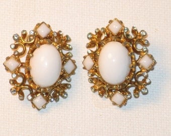 Vintage Marvella Milk Glass Gold Tone Rhinestone Clip Earrings (E-1-4)
