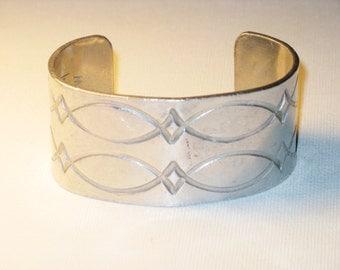 Vintage Smith Silver Tone Engraved Cuff Bracelet (BR-1-3)