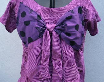 purple/ violet large polka dot bow with CATS short sleeve lines top o.o.a.k handmade t shirt in UK size 14-16  Size L