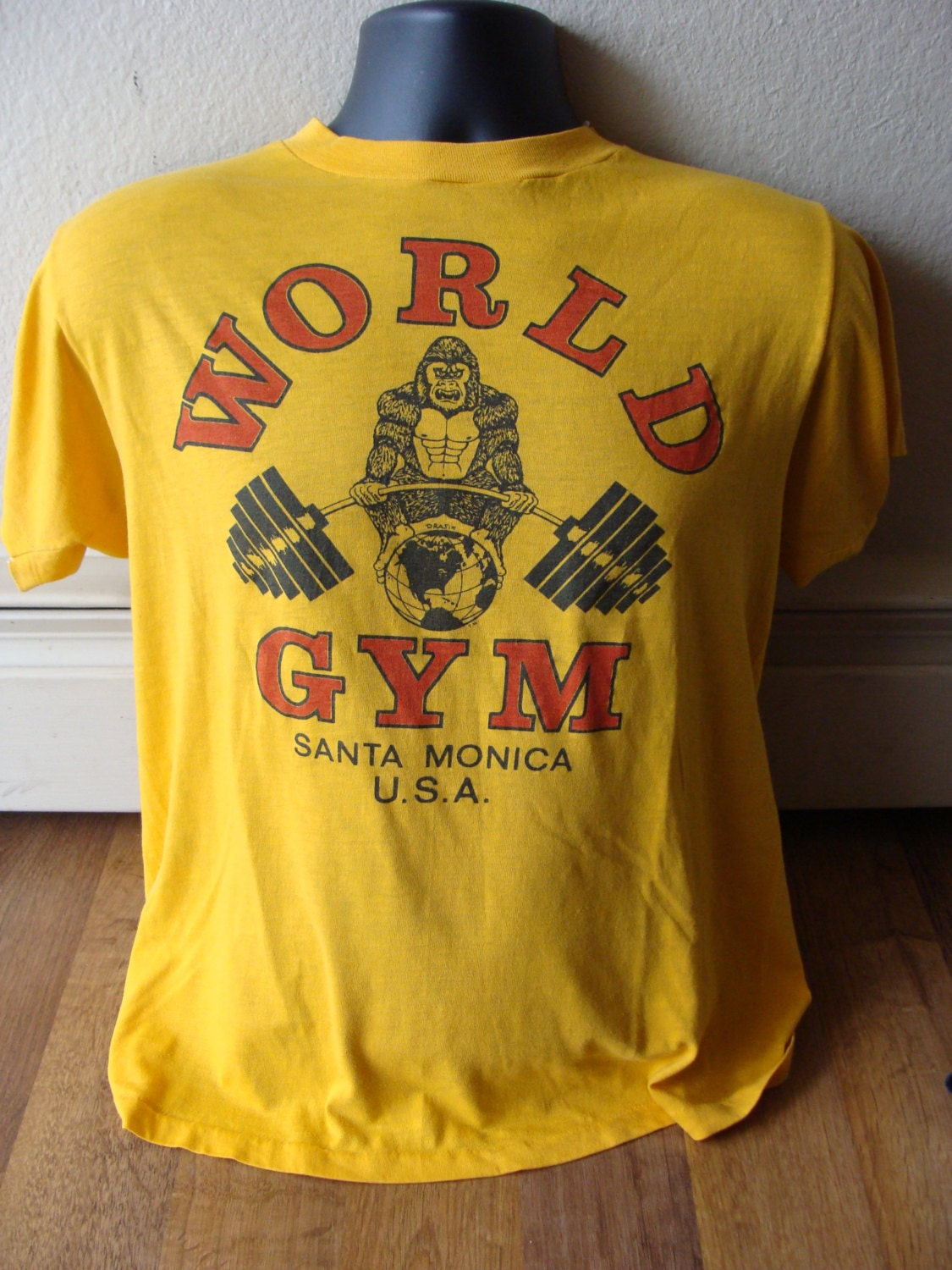 Vintage World Gym Santa Monica California Gorilla T Shirt