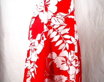 HILO HATTIE Hawaii Vintage Princess Style Mumu late 1960s Red and White Hibiscus