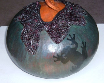 Bronze Gourd With Treefrog