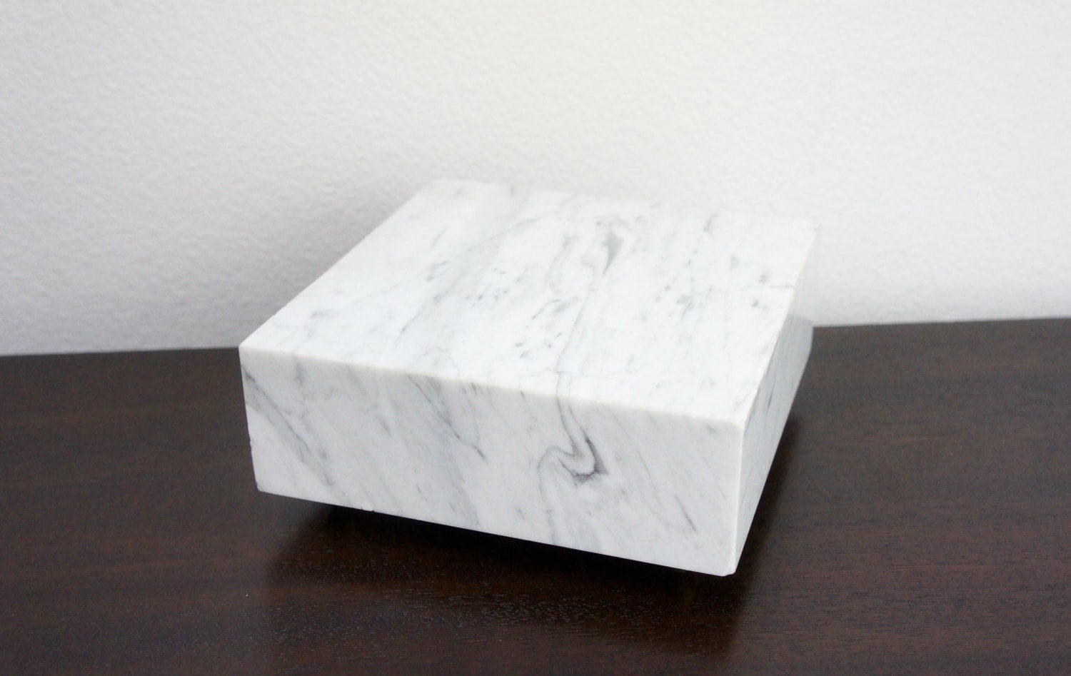 White Marble Block : Vintage small footed marble block white and gray italian