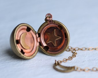 Sun Moon Star Locket .. Vintage Astrology Pendant Globe Planet