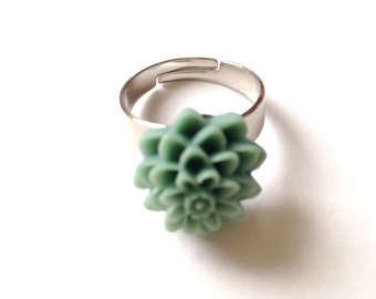 Green flower ring- adjustable jewelry