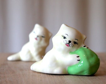Vintage 1950's Cat Figurines / Hand Painted Ceramic / Mint Green and White Decor / Kitschy Kittens / Curio Cabinet Cats