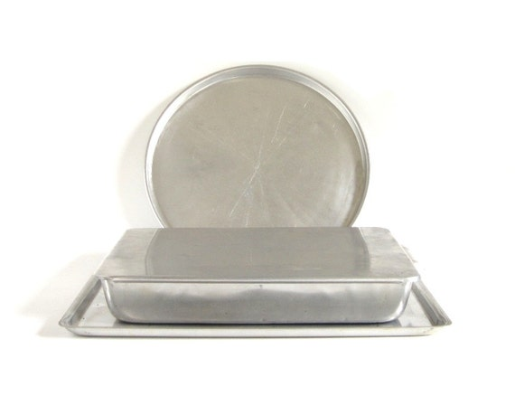 Sliding Lid Cake Pan 9 X 13 12 Round Pizza Pan By