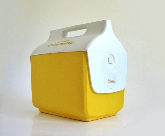 Igloo little playmate cooler side button yellow vintage - Igloo vintage ...