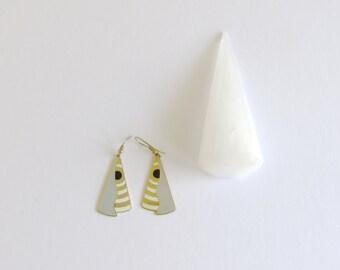 Candy Corn Earrings: Zig Zag abstract vintage enamel organic shaped earrings