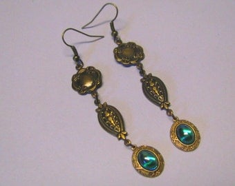 Art Nouveau Vintage Style AB Emerald Green Chandelier Earrings in Antique Brass.  Long Dangle Earrings, Shoulder Duster