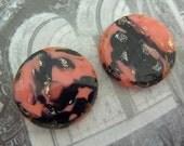 2 glass cabochons, Ø18mm, coral black, round