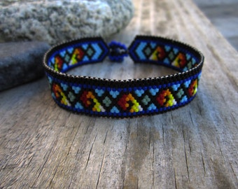 Diamond Wave Peyote Stitch Bracelet with Lapis Clasp
