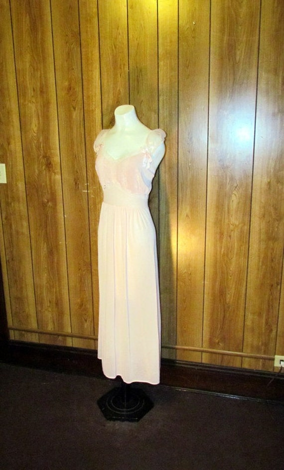 On Sale-Gorgeous VICTORIAN Pink LACE Lingerie Nightgown