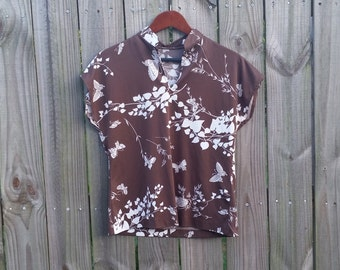 M L Medium Large Vintage 70s Butterfly Leaves Novelty Print Funky Groovy Trippy Hipster Indie Blouse Short Sleeve Brown Shirt