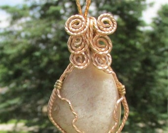 wire wrapped Tumbled Quartz  pendant