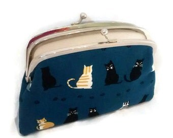 Navy blue cat coin purse, kiss lock wallet with tabby kitty design, 2 section pouch, feline entwined tails, paw prints