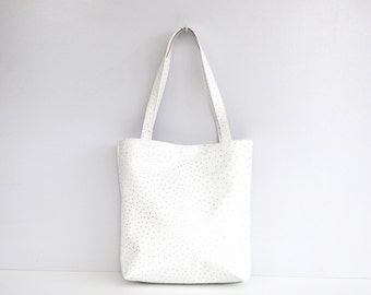 Classic leather tote bag in white ostrich print
