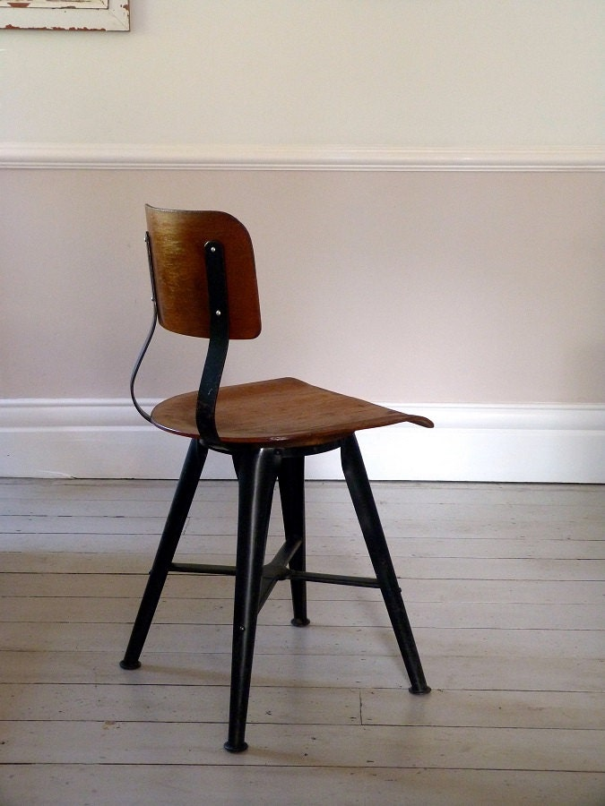 Vintage Industrial Desk Chair fice Chair c 1950
