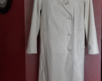 Sz 8 10P London Fog Trench Coat Raincoat - Off White - Size 10 Petite M L - Double Breasted - Made in USA -  Trenchcoat Rainwear