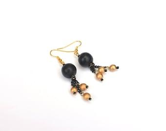 black and gold earrings / black bead earrings / dangle earrings / gold and black bead earrings / modern earrings / dangle earrings
