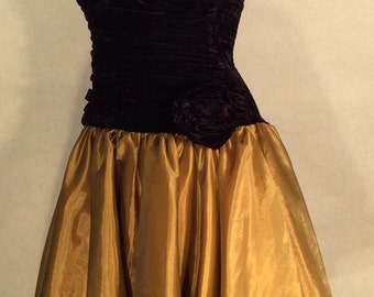 70's Positivly Ellyn Black Velvet and Gold Strapless Dress, Layered Organza Skirt, Prom Dress, Homecoming Dress, Formal.