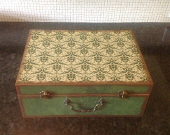 Essential Oil Case DoTerra Decorative Green Decoupaged Design w/ Lily Insert