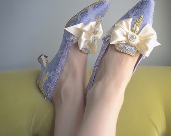 Marie Antoinette Shoes Costume Heels Gold Violet Lilac Lavender Jacquard Ivory Satin Bows Baroque Rococo 18th Century Fashion Bridal Size 9