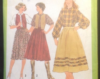 Vintage 1970s Skirt, Blouse and Reversible Vest Pattern // Simplicity 8582, Size 12