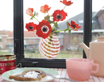 2 pcs 'Flat Flowers' Window Decals (Anemone Red)