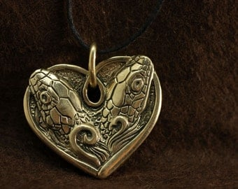Two headed snake valentine heart bronze pendant necklace