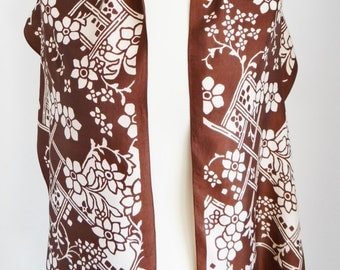 Vintage Brown and Cream Oblong Scarf With Fringed Ends Art Deco Pattern Circa 1970s