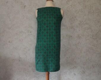 Vintage 60s Era Vintage Shift Dress Green Dancer Violinist St Patricks Day Dress