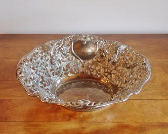 Roses Hearts Silver Repousse Dish, Godinger Filigree Silver Plate Bowl, Romantic Art Nouveau, Reticulated Centerpiece, Wedding Gift