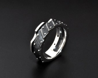 "Sterling Silver Industrial Ring ""Subvenirendum"" 