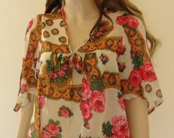 Hippe Shirt 1970s 1960s Vintage 70s 60s Sheer Boho Angel Sleeves S Small M Medium Handkerchief cut floral tent L Large