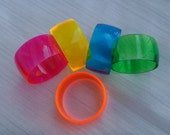 2 fluorescent Bangles to decorate